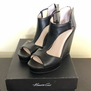 New Kenneth Cole Wedge Sandals Size 7.5